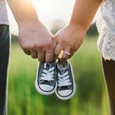 How to Announce Pregnancy to Family Whether it's the 1st, 2nd, 3rd, or Beyond Pregnancy!