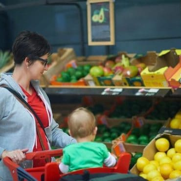 Family Grocery Shopping: 7 Tips for a Smooth Shopping Experience with Babies and Toddlers in Tow