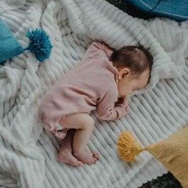 Don't Cry! Here's How to Start Transitioning Out of Swaddle Right Now