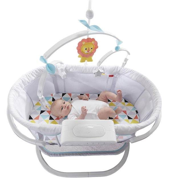 Bassinet with vibrations, music and sounds